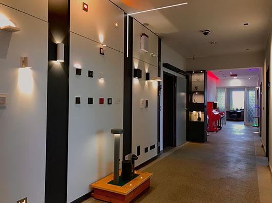- Showroom